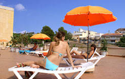 Beach Rent Apartments Costa Dorada,Spain.Summer Holidays at the seaside with Hotel Facilities near Barcelona