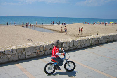 Calafell beach Costa Dorada Spain Cheap flight to Barcelona Reus Accommodation