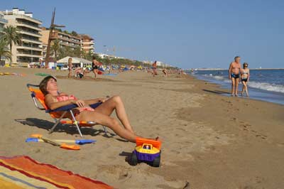 Spain beach Self catering accommodation near Barcelona Self catering apartament Calafell beach Costa Dorada